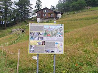 Panneau explicatif du fort de la Forclaz
