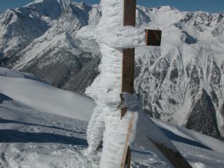 Croix givrée